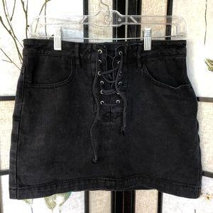 KENDALL & KYLIE | Black Mini Skirt | Size 25